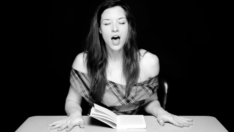 hysterical-literature-porn-star-stoya-reading-viral